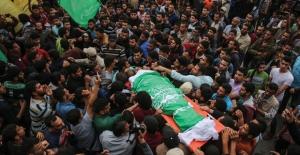 Gazze'de Onbinlerce Kişi Cenaze Törenlerine Katıldı
