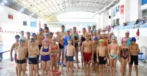 Ankaralı Yüzücüler Türkiye İkincisi