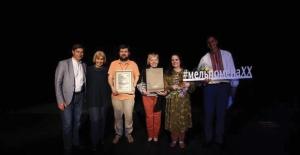 Bakırköy Belediye Tiyatroları Ukrayna'dan Onur Ödülüyle Döndü
