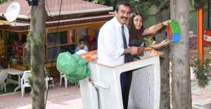 Çukurova Belediye Başkanı Çetin Öğrencilerle Kuş Evi Montajı Yaptı