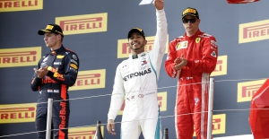 F1: Lewis Hamilton Silver Arrows İle 44. Galibiyetini Aldı