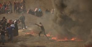 Gazze Sınırında Gösterilere Binlerce Filistinli Katıldı