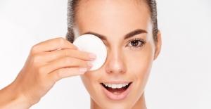 Göz Makyajı Yapanlar, Enfeksiyon Riskine Karşı Dikkat!
