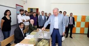 İBB Başkanı Uysal Oyunu Başakşehir'de Kullandı