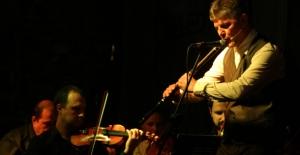 Kuşadası Sezonu Balkan Müzikleriyle Açtı
