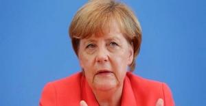 Merkel Göç Krizini Görüşmek Üzere AB Liderleriyle Özel Bir Zirve Planlıyor