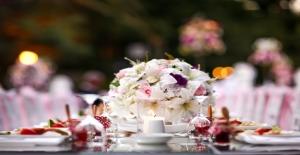 Çiftler İçin Düğün Gününde Formda Görünmenin Yolları