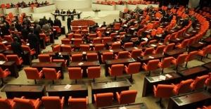 TBMM'de Yeni Yasama Yılı Başladı, Milletvekilleri Yemin Ediyor