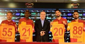 Galatasaray'da 4 Transfere İmza Töreni