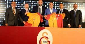 Galatasaray'ın Yeni Forma Sponsoru ikinciyeni.com Oldu