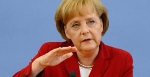Merkel: Türkiye'nin Ekonomik İstikrarsızlığı Kimsenin Yararına Olmaz