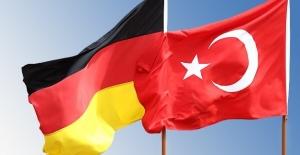 Türkiye ve Almanya Karşılıklı Ziyaretleri Hızlandırıyor