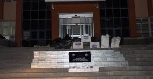Hakkari'de Bin 928 Paket Kaçak Sigara Ele Geçirildi