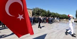 İçişleri Bakanı Soylu Gaziler Gününde Anıtkabir'i Ziyaret Etti