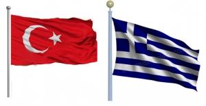 Yunanistan 2 Türk Askerini Gözaltına Aldı