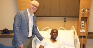 Sivasspor'lu Aroune Kone Acıbadem Altunizade Hastanesi'nde Ameliyat Oldu