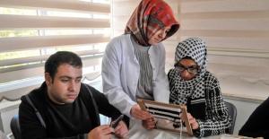Aile Merkezleri'nde Engeller Aşılıyor