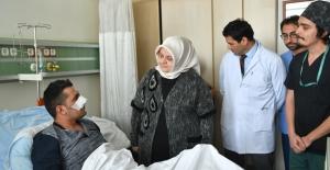 Bakan Selçuk, GATA'da Tedavi Gören Gazileri Ziyaret Etti