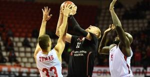 Beşiktaş Sompo Japan Deplasmanda Gaziantep Basketbol'a Yenildi