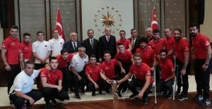 Cumhurbaşkanı Erdoğan, Ampute Futbol Millî Takımı'nı Kabul Etti