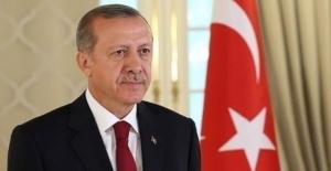 Cumhurbaşkanı Erdoğan, Vakıfbank Kadın Voleybol Takımı'nı Tebrik Etti