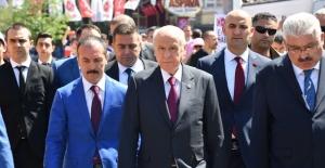 """MHP'li Kılavuz: """"Evlatları Bir Ömür Devlet Bahçeli'nin Emrindedir!"""""""