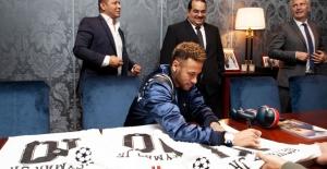 QNB'nin Uluslararası Marka Elçisi Neymar Jr Oldu