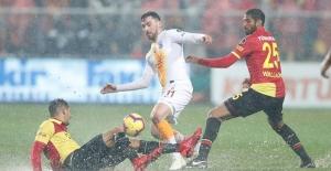Galatasaray İzmir'den 3 Puan İle Dönüyor
