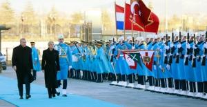 Hırvatistan Cumhurbaşkanı Kitaroviç Cumhurbaşkanlığı Külliyesinde