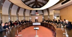 Kılıçdaroğlu, Türkiye Gazeteciler Federasyonu Yönetim Kurulunu Kabul Etti