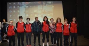 Kuşadası Belediyesi'nden Genç Sporculara Sağlıklı Beslenme Eğitimi