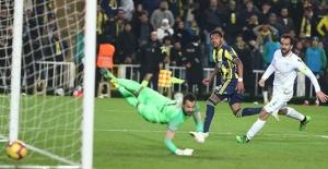Fenerbahçe 10 Kişi Kalan Atiker Konyaspor'u Yenemedi