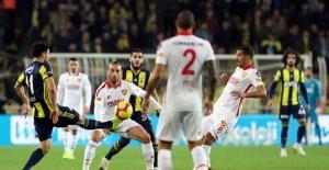 Fenerbahçe, Göztepe'yi Eli Boş Gönderdi