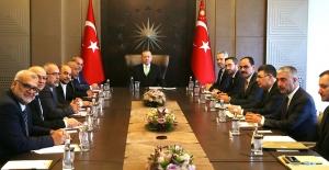 """""""Türkiye, Filistin Davasına Ve Filistin Halkına Sırtını Dönmeyecektir"""""""