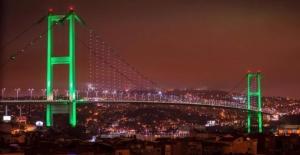 Asya İle Avrupa'yı Birleştiren İstanbul'daki Köprüler Pakistan Bayrağının Renkleriyle Işıklandırılacak