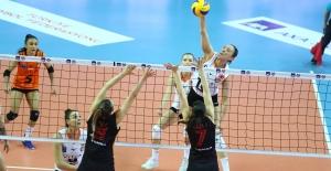 AXA Sigorta Kupa Voley'de Eczacıbaşı VitrA Finalde