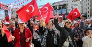 Binlerce Yenimahalleli Yürüyerek Baharı Karşıladı