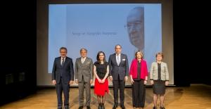 Kadir Has'ın İki Ödülü Bilim Kadınlarına Gitti