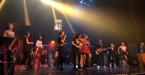 Sertab'ın Müzikali Bu Kez Darüşşafaka Yararına Sahne Aldı!