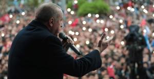 """""""Siyaset Darbecilere Alkış Tutanların Değil, Demokrasiye Canı Pahasına Sahip Çıkanların İşidir"""""""