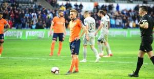 Başakşehir'den Şampiyonluk Yolunda Önemli 2 Puan Kaybı