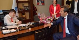 Başkan Çetin, 23 Nisan'da Başkanlık Koltuğunu Down Sendromlu Çocuklara Devretti