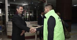 Başkan Köse'den Vatandaşa Ve Personele Karşılama