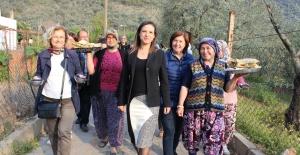Başkan Sengel, Barutçu Köyünde Kadınlarla Birlikte Gözleme Açtı