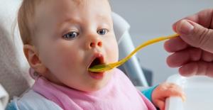 Bebeklerde Ek Gıdaya Geçişte Doğru Bilinen Yanlışlar!