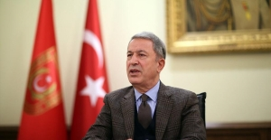 Millî Savunma Bakanı Akar, Fransız Mevkidaşı Parly ile Görüştü