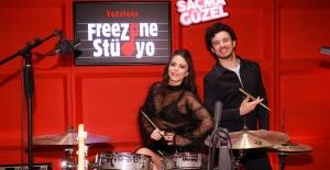 Vodafone Freezone Son Ses Online Müzik Yarışması'nda Finale Doğru