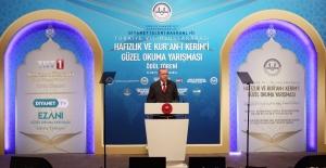 Cumhurbaşkanı Erdoğan Hafızlık ve Kur'an-ı Kerim'i Güzel Okuma Yarışması Ödül Törenine Katıldı