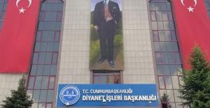 """Diyanet'ten """"Türk Bayrağı ve Atatürk Posteri"""" Açıklaması"""