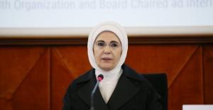 """Emine Erdoğan: """"Tüm Sağlık Politikalarımızın Merkezine İnsanın Mutluluğunu Koyduk"""""""